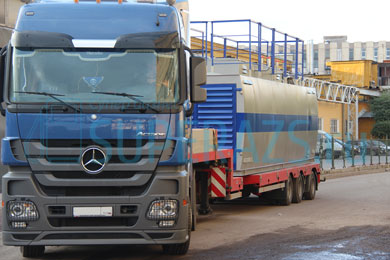 Отправка тягача Mercedes с КАЗС на борту заказчику